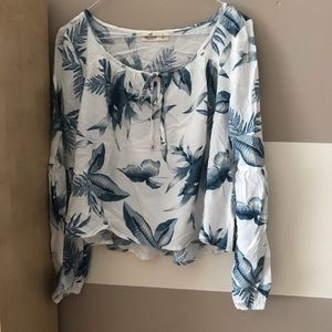 Hollister - Women's White & Blue Floral Blouse - S
